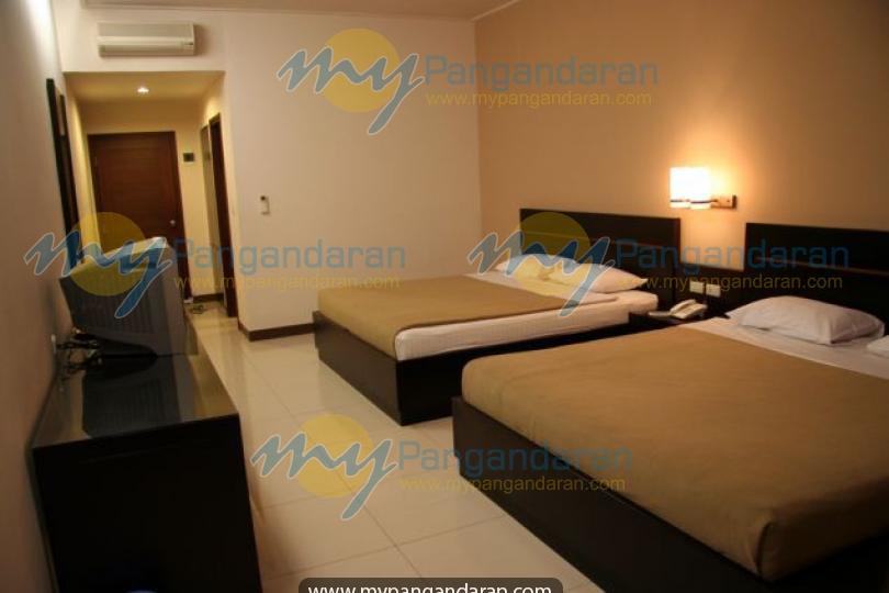 Tampilan Kamar Tidur  Laut Biru Resort Hotel Pangandaran